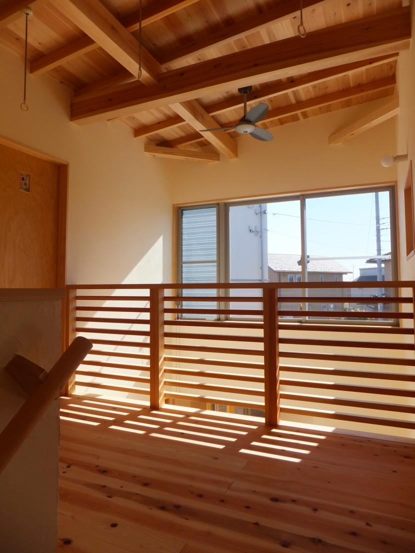台形の変形敷地に建つ30坪の家の部屋 2階ホール