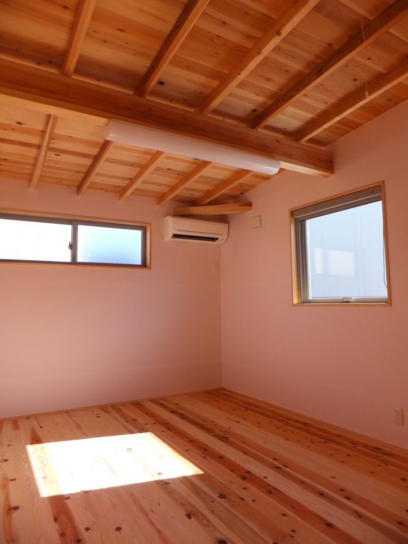 台形の変形敷地に建つ30坪の家の部屋 子供部屋