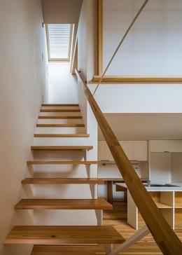 上高野の家 (階段(撮影:松村芳治))