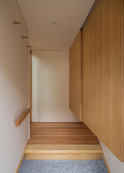上高野の家の写真 玄関(撮影:松村芳治)