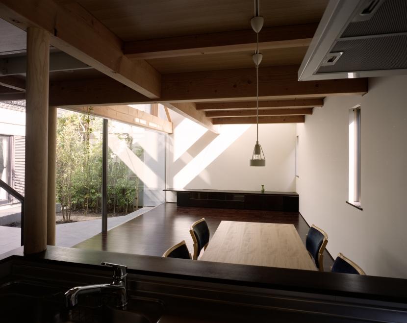 光をつなぐ家の部屋 ダイニング