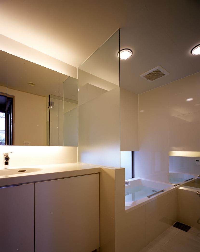 光をつなぐ家の部屋 バス・洗面所