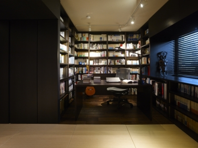 書斎1 (趣味を飾る家)