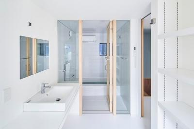 洗面浴室 (T-house)