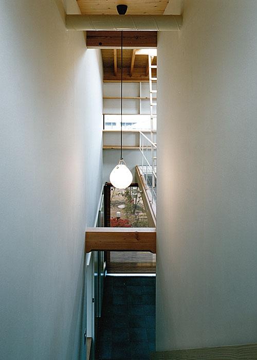 大庭寺の家の部屋 階段室、玄関(撮影:松村芳治)