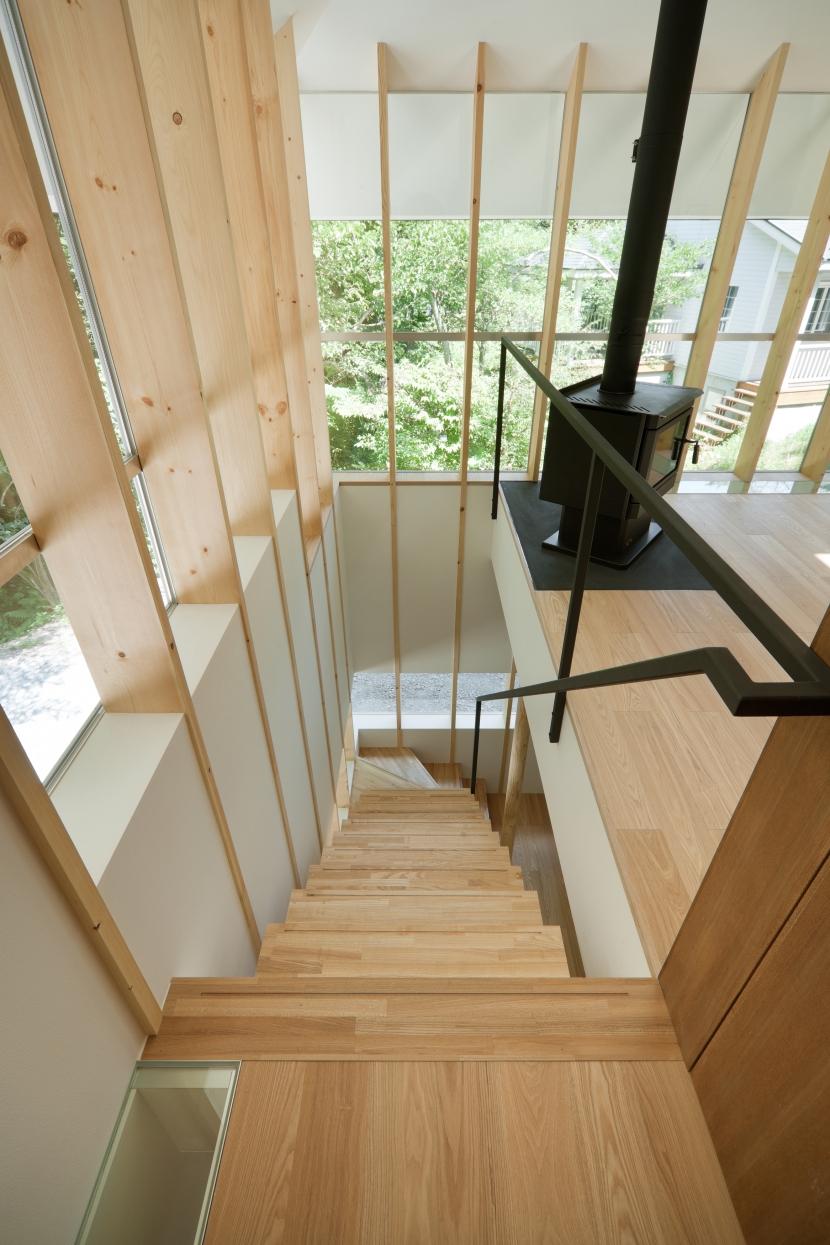 軽井沢Y邸の部屋 階段