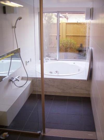 浴室 (熊本の家)