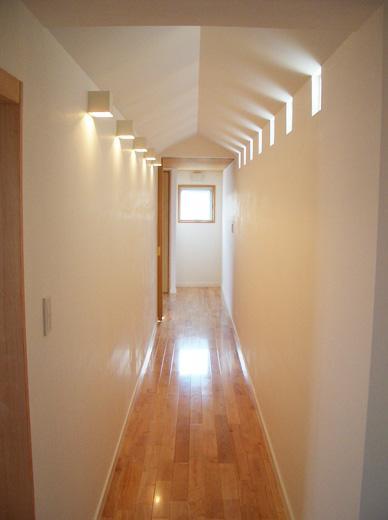 熊本の家 (2階子供部屋への廊下)