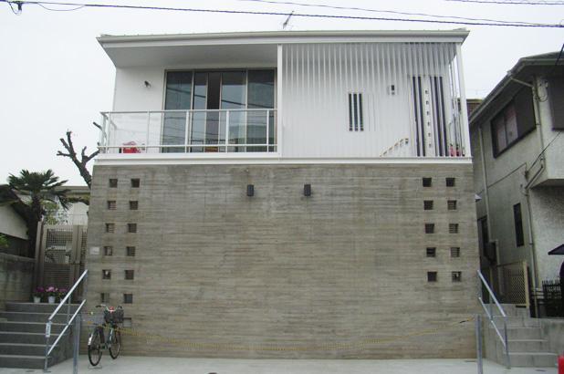 小日向の家の部屋 南外観(道路側ファサード)