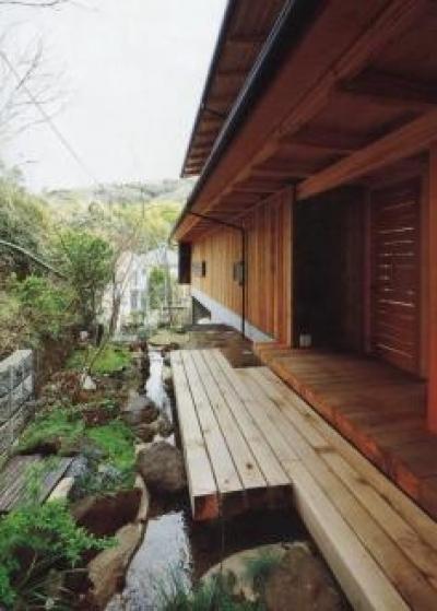 玄関ポーチ (北鎌倉の家)