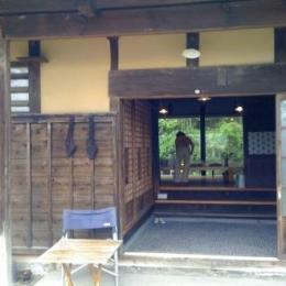 長柄の家 (玄関)