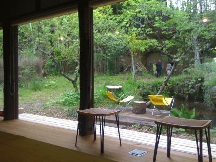 長柄の家の部屋 茶の間からの眺め