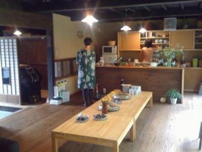 茶の間・キッチン (長柄の家)
