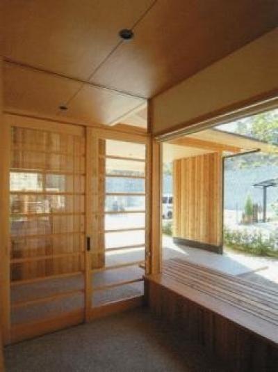 玄関 (三原の家)