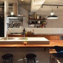 リビングに集う家族の空間 (キッチン)