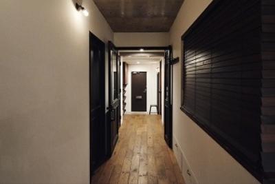 廊下収納 (リビングに集う家族の空間)