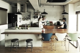 リビングに集う家族の空間 (キッチンを中心としたLDK)