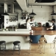 キッチンを中心としたLDK (リビングに集う家族の空間)