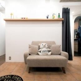 アクセスのよいセンター収納と もののサイズに合わせた造作家具がカギ (玄関ホール)
