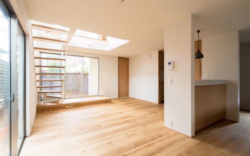 オリジナルキッチンがこだわり 阿佐ヶ谷北 A区間の部屋 明るいリビングダイニング