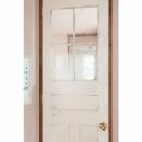 アンティーク小物を用い モダンに仕上げました 三鷹市井ノ頭1丁目の写真 ドア装飾