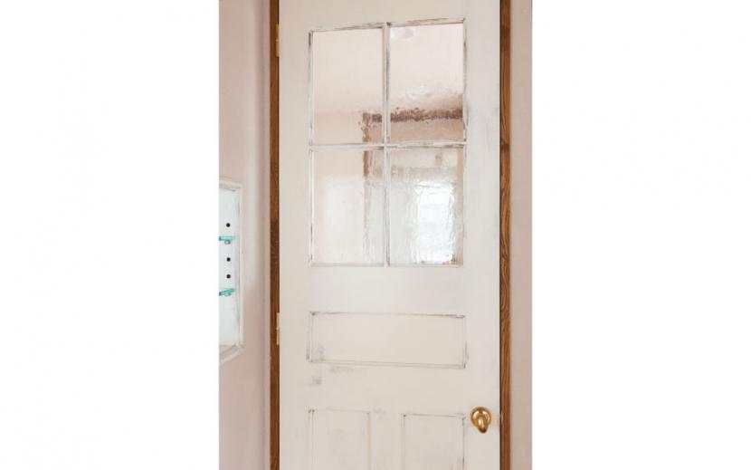 アンティーク小物を用い モダンに仕上げました 三鷹市井ノ頭1丁目の部屋 ドア装飾