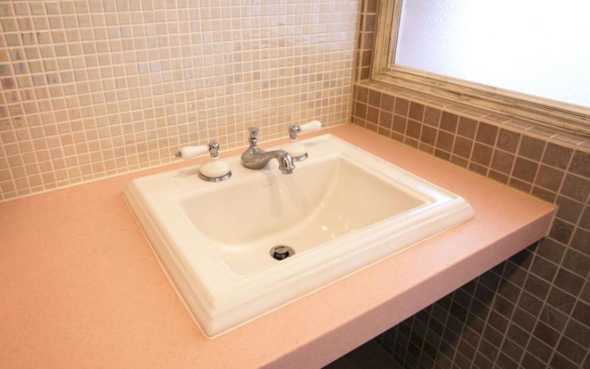 アンティーク小物を用い モダンに仕上げました 三鷹市井ノ頭1丁目の部屋 洗面所
