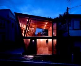 三ツ池の家 (外観 夕景)