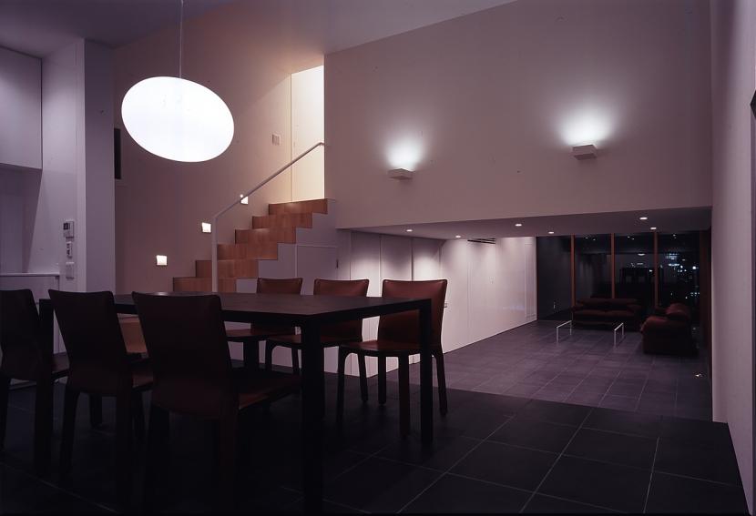 仙台香澄の家の部屋 ダイニング 夕景