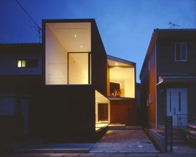 香澄の家 (外観 夕景)
