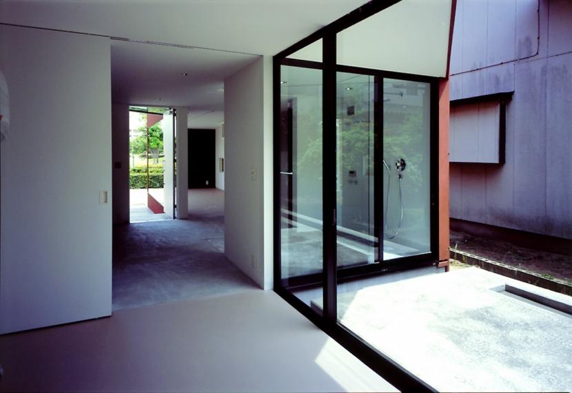 香澄の家の部屋 子供部屋から玄関を見る