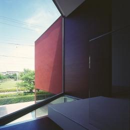 香澄の家 (階段より外部を見る)