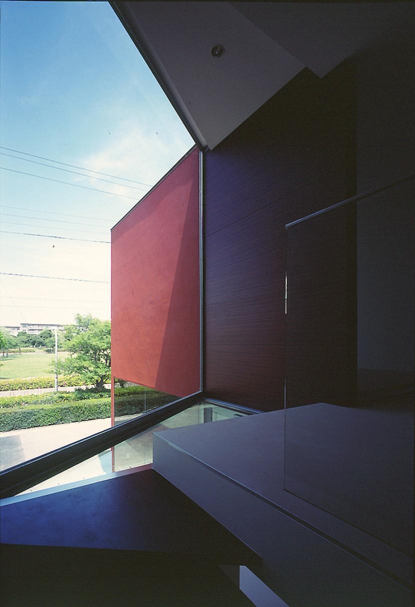 香澄の家の部屋 階段より外部を見る