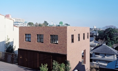 傾斜地の家 (西側外観)
