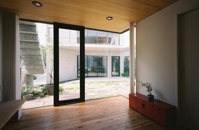 対の家の部屋 中庭2