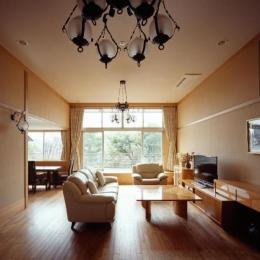 RC3階建て都市の二世帯住宅  将来を見越した高齢者への配慮