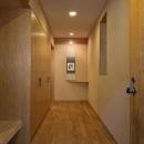 堀 紳一朗の住宅事例「RC3階建て都市の二世帯住宅  将来を見越した高齢者への配慮」