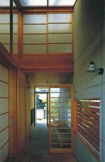 亀井野の家の部屋 玄関ポーチ