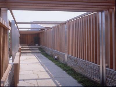 玄関ポーチ (船堀の家)