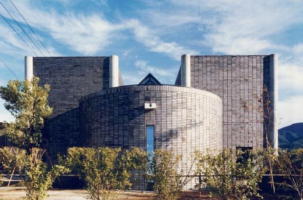 建築家:小林英治建築研究所「八本の柱のある家」