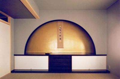 寝室 (八本の柱のある家)