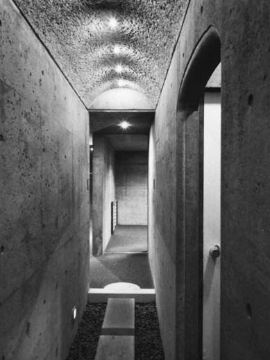 K邸+アトリエ (渡り廊下)