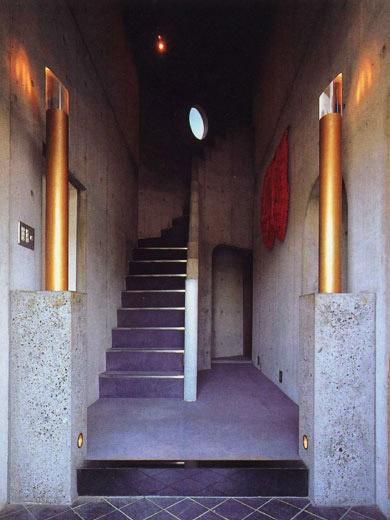 三方が原戦場跡地に建つ家の部屋 玄関ホール