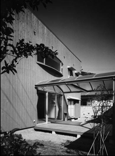 K邸の部屋 屋根付きテラス
