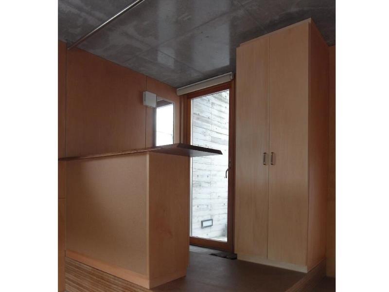 ローコストリノベーション  無機質空間から木質空間への部屋 下足入れ・ワードローブ