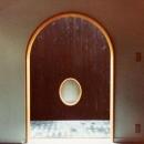 和室の楕円窓