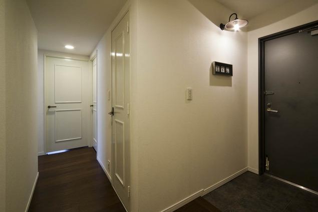 お気に入りの落ち着いた大人インテリアの部屋 玄関2