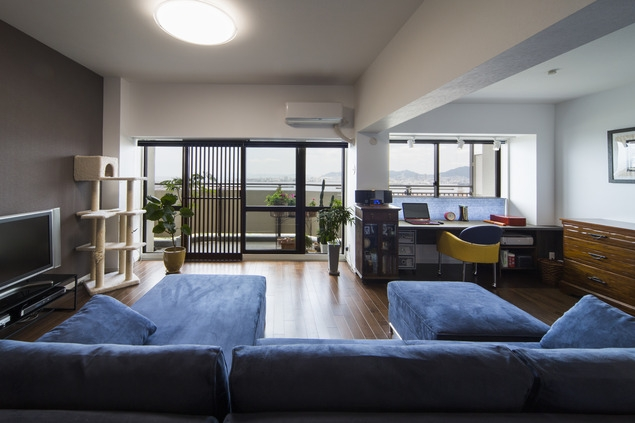 リノベーション・リフォーム会社:ハコリノベ「要望を叶えた大空間には収納もたっぷり。ホテルライクに暮らせる、洗練のデザイン空間」