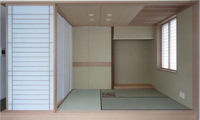 マンションに仏間⇔茶室  住まいの一角に心落ち着く空間を (茶室を開けた状態/リビング側より)