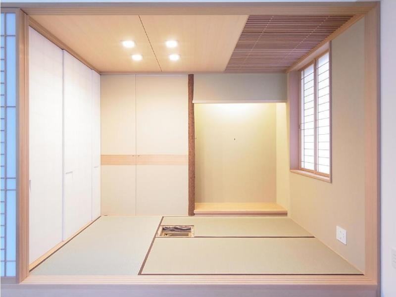 マンションに仏間⇔茶室  住まいの一角に心落ち着く空間をの部屋 三畳茶室/リビング側より